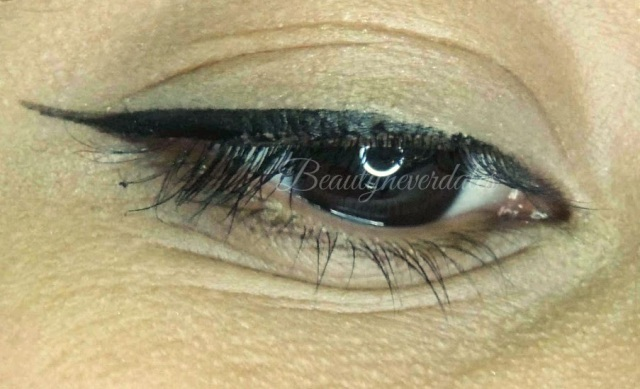 Different Types of Winged eyeliner featuring - The ONE Eyeliner Stylo