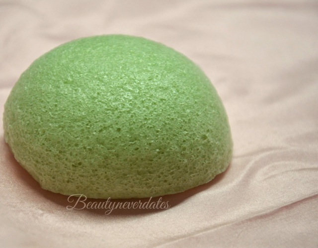 Konjac Sponges - Aloe-Vera and Bamboo Charcoal Review