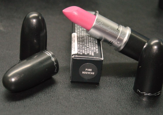 Mac Satin lipstick in Pink Nouveau